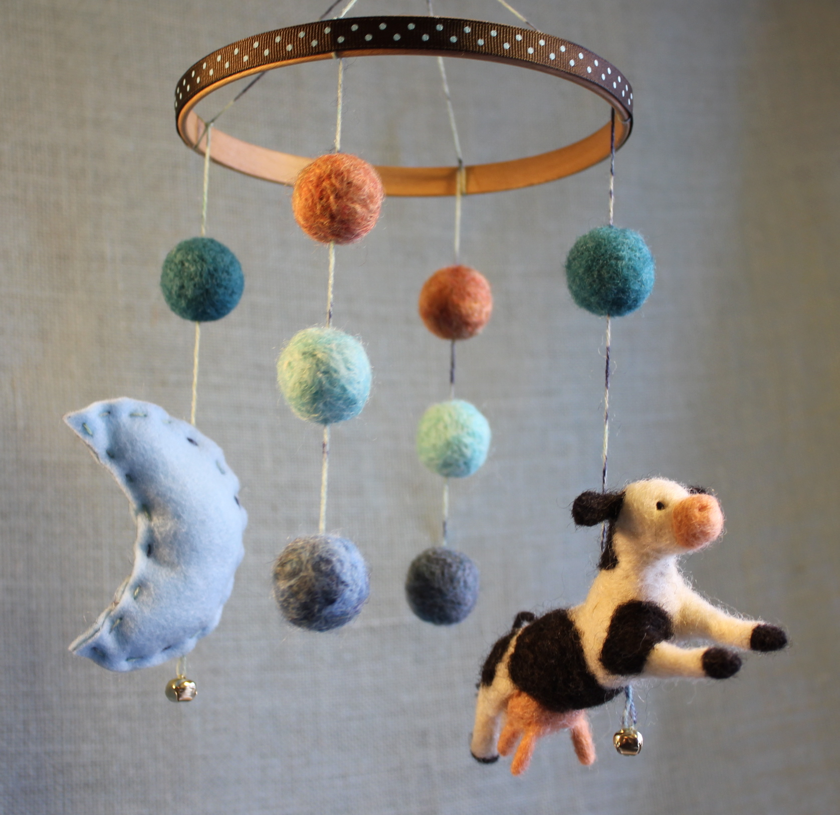 The Cow Jumped Over the Moon - Mobile by Fiber Friends